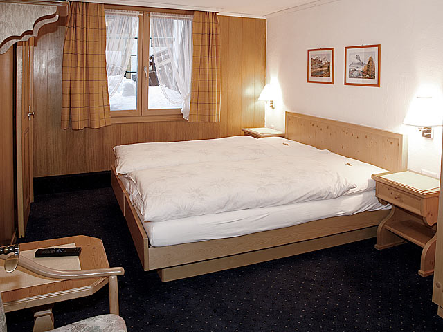 Chambre double – budget - Hotel Restaurant Helvetia Zermatt